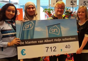 Mooie opbrengst statiegeld-actie AH Oostermeent voor Woongroep Huizer-maatjes!