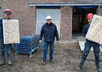 Vandaag namens de Huizer-maatjes wat voor bij de koffie gebracht op de bouwplaats!